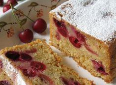 Plum-Cake alle ciliegie, la ricetta di un morbido dolce, ottimo per la prima colazione o per una golosa merenda. Preparato con un impasto di ingredienti semplici e genuini, arricchito da ciliegie fresche e spolverizzato con zucchero a velo. Il plum-cake alle ciliegie, può essere preparato in vista di una passeggiata in montagna, un tè con le amiche, o per fare felici i vostri bambini, che potranno gustare una sana merenda con tanta buona frutta di stagione al suo interno.