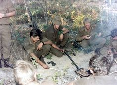 Leke braai on a spade Troops, Soldiers, Brothers In Arms, Defence Force, Korean War, Photo Essay, My Land, African History, Borneo