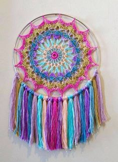 Serenity Crochet Mandala Wall Hanging [FREE] Beautiful creation, a fast and thoughtful, the great handmade gift that brings the smile, peace and harmony all year long. Crochet Dreamcatcher Pattern Free, Crochet Mandala Pattern, Crochet Art, Crochet Home, Crochet Gifts, Free Crochet, Crochet Patterns, Easy Crochet, Crochet Afghans