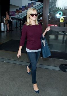Reese Witherspoon - Reese Witherspoon Arrives in LA