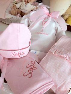 Bordados personalizados bebé.