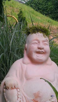 Buddha mit Mooshäubchen