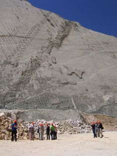 This 300 ft Wall in Bolivia has over 5000 Dinosaur Footprints Posted: 17 Oct 2013 10:25 AM PDT