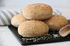 Halvgrove hamburgerbrød