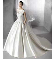 Zulma, vestido de novia San Patrick de encaje y micado