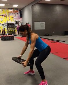 Upper body 15 reps 10 reps each side 15 reps 15 each arm 10 reps 3 ROUNDS! Clarks, Fitness Motivation, Fitness Diet, Alexia Clark, Shoulder Workout, Best Weight Loss, Losing Weight, Weight Gain, Burn Calories