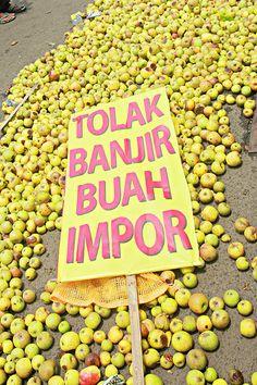Demo AHN petani apel Malang