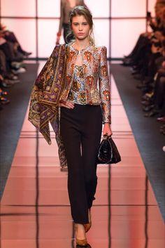 Sfilata Armani Privé Parigi - Alta Moda Primavera Estate 2017 - Vogue de14646de594