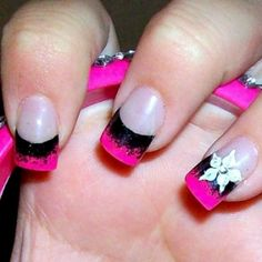 Black and pink nail tips with cute flower design