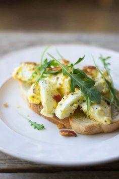 Egg salad sandwich on a white plate Breakfast Plate, Second Breakfast, Egg Salad Sandwiches, Wrap Sandwiches, Wrap Recipes, Lunch Recipes, Sandwich Recipes, Egg Recipes, Delicious Recipes