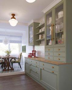 1920s Kitchen, Kitchen Redo, Home Decor Kitchen, Country Kitchen, New Kitchen, Home Kitchens, Kitchen Design, Skinny Kitchen, Decorating Kitchen