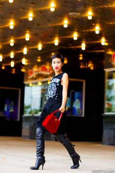 Petite fashion bloggers :: Nini's Style :: a pop of red
