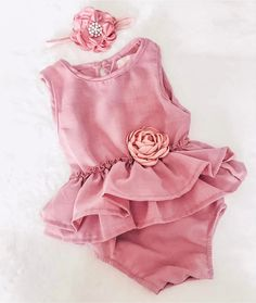 Dusty Rose Pink 2pc Romper Set with Ruffle Waist & Pink Rose Detail This delicate dusty rose pink romper will have family, friends, and of course, you going awww. With waist ruffle detailing, a look-a-like pink rose, and a headband to match, you are sure to add a special touch to your kiddos first birthday, or any family gathering. This is a sure addition to your child's wardrobe! Baby Girl First Birthday, First Birthday Outfits, Birthday Tutu, Chic Outfits, Trendy Outfits, Girl Outfits, Cake Smash Outfit Girl, Ella Enchanted, Fall Fashion 2016