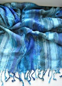 Kupuj mé předměty na #vinted http://www.vinted.cz/doplnky/saly/13444749-nadherna-italska-viskozni-modra-sala