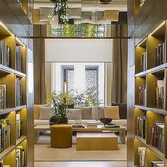 Confira a belíssima biblioteca assinada por Bruno  GAP  na #CasaCorSP2015.  Link no perfil. #tempodadelicadeza #biblioteca #library #brunogap #casacorsp #casacorsp2015 #casacor #mostradedecoracao #interiodesign #interiors #blog #design #tonsterrosos