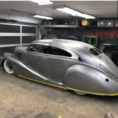 zephyr_society  @vonhitch_kustoms doing a great job on this 1937 Zephyr coupe sedan #kustoms #zephyr_society #lincolnzephyr #metalwork #metalshaping #reversecurve #taildragger #choptop