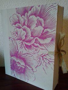 Caja Flores moradas by Antaño y Hogaño