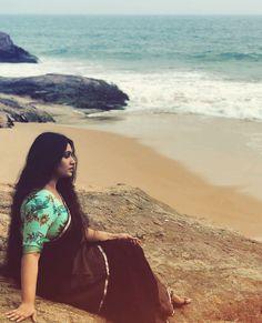 Kavitha Nair - Rare Collection of Saree Images Beautiful Girl Indian, Beautiful Saree, Beautiful Indian Actress, Beauty Full Girl, Dark Beauty, Beauty Women, Indian Photoshoot, Saree Photoshoot, Beach Photography Poses