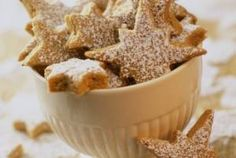 i love making star biscuits Xmas Food, Christmas Sweets, Christmas Kitchen, Christmas Goodies, Christmas Baking, Christmas Star, Cookie Recipes, Dessert Recipes, Desserts
