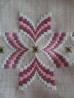 Hardanger Embroidery Try with bugle beads Broderie Bargello, Bargello Needlepoint, Bargello Quilts, Needlepoint Stitches, Cross Stitches, Swedish Embroidery, Hardanger Embroidery, Learn Embroidery, Cross Stitch Embroidery