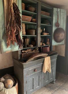 Primitive Home Decorating, Primitive Dining Rooms, Primitive Cabinets, Primitive Kitchen, Primitive Antiques, Primitive Decor, Interior Decorating, Decorating Ideas, Decor Ideas