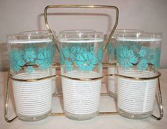 Vintage turquoise glasses with rack Vintage Kitchenware, Vintage Dishes, Vintage Glassware, Vintage Items, Turquoise Flowers, Vintage Turquoise, Turquoise Kitchen, Wine And Beer, Vintage Pottery