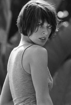 Best Short Hairstyles for Thick Hair | http://www.short-haircut.com/best-short-hairstyles-for-thick-hair.html