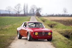 /Alfa Romeo Giulia Sprint GTA