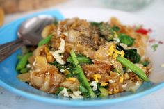 Authentic Thai Pad See Ew Recipe (ผัดซีอิ๊ว)