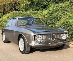 Alfa Romeo 2600, Alfa Romeo Junior, Alfa Romeo Cars, Alfa Romeo Giulia, Alfa Gtv, Automobile, Veteran Car, Car Themes, Vintage Italian