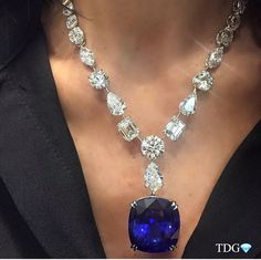 Necklaces – Page 3 – Modern Jewelry Jewelry Show, Gems Jewelry, High Jewelry, Modern Jewelry, Luxury Jewelry, Stone Jewelry, Diamond Jewelry, Jewelry Accessories, Jewellery