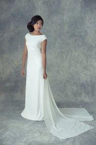 Simple white wedding gown by Jaime Elyse White Wedding Gowns, Wedding Gowns With Sleeves, One Shoulder Wedding Dress, Blush Bridal, The Blushed Nudes, Elle Magazine, Wedding Bells, Bridal Dresses, Couture