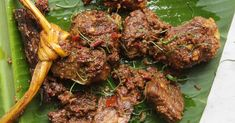 Beef Rendang Braised in coconut milk with a host of spices and aromatics, rendang is a luscious Indonesian beef stew served at all manner of special occasions. Meat Recipes, Asian Recipes, Cooking Recipes, Ethnic Recipes, Beef Rendang Recipe, Carne, Sushi Comida, Indonesian Cuisine, Indonesian Food Traditional