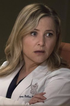 Shonda Rhimes May Have Spoiled the Grey's Anatomy Finale Way Back in 2009 Jessica Capshaw, Greys Anatomy Finale, Medical Series, Sara Ramirez, Arizona Robbins, Greys Anatomy Characters, Supergirl Dc, Dance It Out, Gray Aesthetic