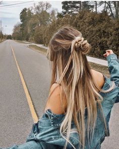 Cute and Easy Long Hairstyles for School coolest hairs color trends in - New Hair Hair Day, New Hair, Your Hair, Summer Hairstyles, Pretty Hairstyles, Cute School Hairstyles, Hairstyles Tumblr, Hairstyles For Dances, Casual Hairstyles For Long Hair