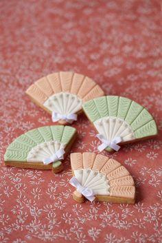 #CakeDecorating #Issue38 Crimping patterns Fan #Cookies V Edge Crimper