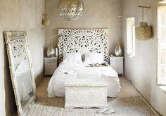 Une chambre blanche aux grands airs d'Orient