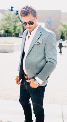 2 Ways To Work A Pocket Square
