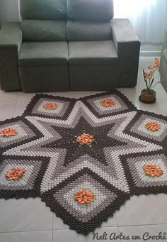 Step Star Step Crochet Carpet Rug - Free Pattern and Tutorial