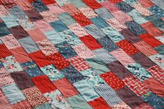 The Tulip Patch: Blogger's Quilt Festival: My 1st King Size Quilt!