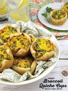 Vegan Broccoli Quiche Cups are a great appetizer for Easter Brunch, as well as M. Vegan Broccoli Quiche Cups are a great appetizer for Easter Brunch, as well as Mother's Day. Vegetarian Breakfast, Vegan Breakfast Recipes, Brunch Recipes, Easter Recipes Vegan, Vegan Appetizers, Great Appetizers, Brunch Appetizers, Ideas Desayunos, Food Ideas