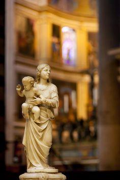 Mother Mary and baby Jesus statue inside the Santa Maria Assunta Church, Pisa, Tuscany Italy - © Brian Jannsen Photography Haiti History, Emilia Romagna, Night At The Museum, Mary And Jesus, Regions Of Italy, Tuscany Italy, Second World, Mother Mary, Italy Travel