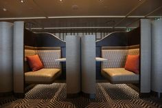 Singapore Airlines' new lounge design, now open at Sydney Airport, features prod… – Office lounge Airport Lounge, Office Lounge, Asian Interior Design, Medical Office Design, Chandelier In Living Room, Lounge Design, Waiting Area, Mid-century Modern, Singapore