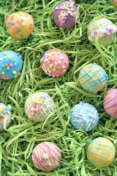 Skinny Easter Egg Cake Balls | Skinnytaste I can see these for other occasions than Easter too