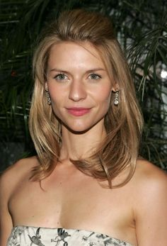Pictures of Claire Danes Medium Wavy Half Up Half Down Hairstyle. Get hairstyles ideas and inspiration with Claire Danes Medium Wavy Half Up Half Down Hairstyle. Claire Danes, Hair Styles 2014, Medium Hair Styles, Natural Hair Styles, Long Hair With Bangs, Long Wavy Hair, Fancy Hairstyles, Down Hairstyles, Prom Hair Down