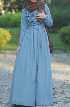 Pileli Nakış Desen Elbise - Mavi