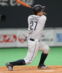 Ginjiroh Sumitani #27 drills his 5th homer of the year, a tie-breaking and game-winning solo shot to left field off Fighters starter Masaru Takeda in the top of the 5th inning at Sapporo Dome on August 28, 2013 in Sapporo, Hokkaido.
