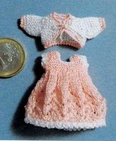 how to: crocheted outfit for mini doll
