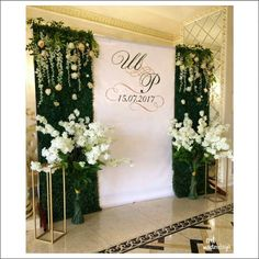 New Wedding Backdrop Frame Flower Wall Ideas Vintage Wedding Backdrop, Wedding Reception Backdrop, Church Wedding Decorations, Wedding Centerpieces, Wedding Backdrops, Wedding Wall, Party Wedding, Wedding Venues, Wedding Ideas
