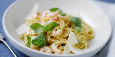 Katkarapupasta Lidl, Risotto, Spaghetti, Pasta, Ethnic Recipes, Chili, Food, Chile, Chilis